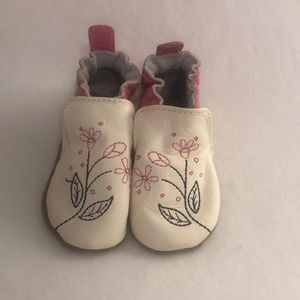 Robeez Shoes Size 0-6 months